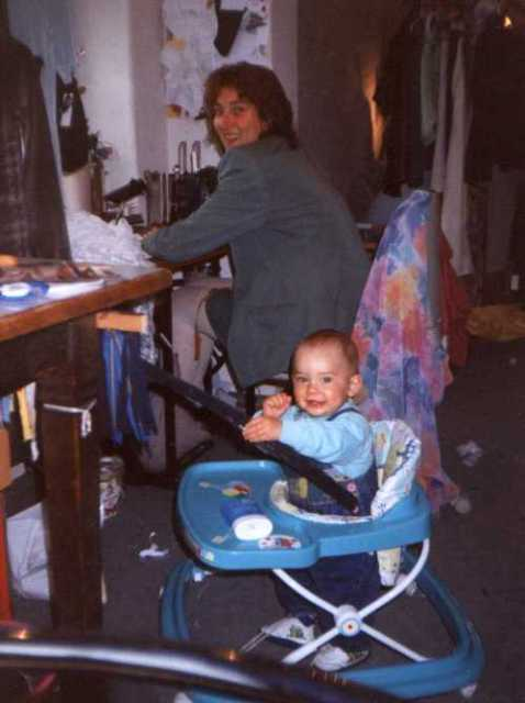1994 Geschäftsfrau und junge Mutter