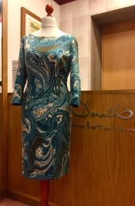 Schmales Kleid 1
